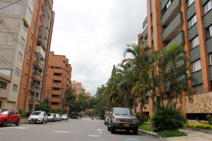 photo of a street near the UPB in Medellin